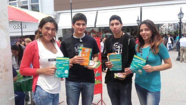 Jóvenes y adolescentes invitaron a hacerse el test rápido de VIH