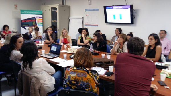 Mesa de análisis sobre presupuesto y género
